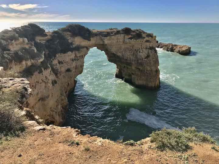 Felsen mit Bogen Algarve