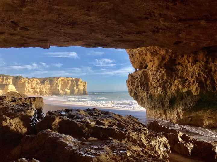 Im Fels an der Algarve