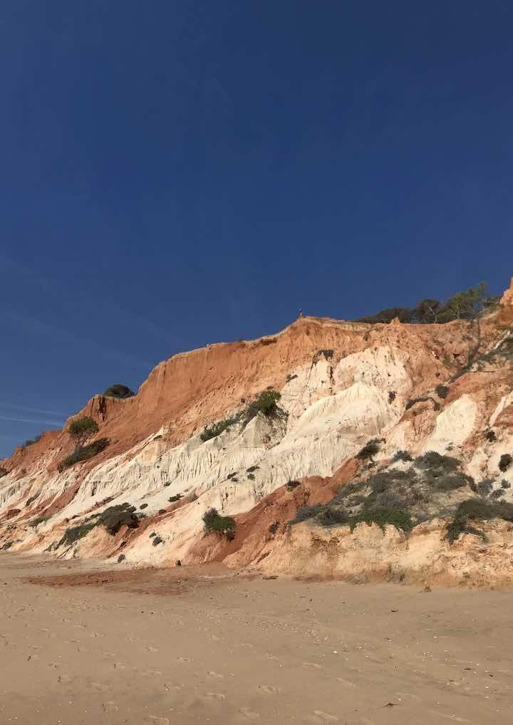 Klippen am Strand der Algarve