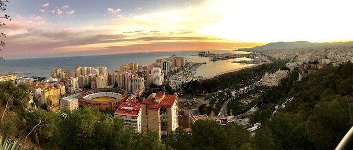 Malaga beim Sonnenuntergang
