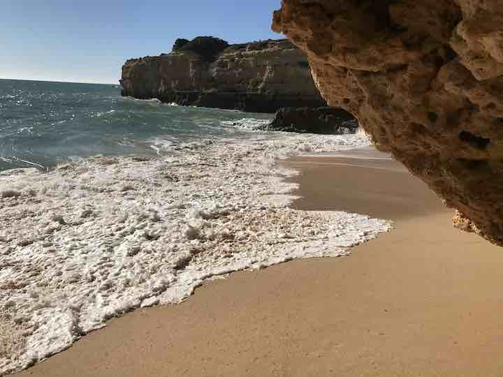 Schäumende Wellen Algarve