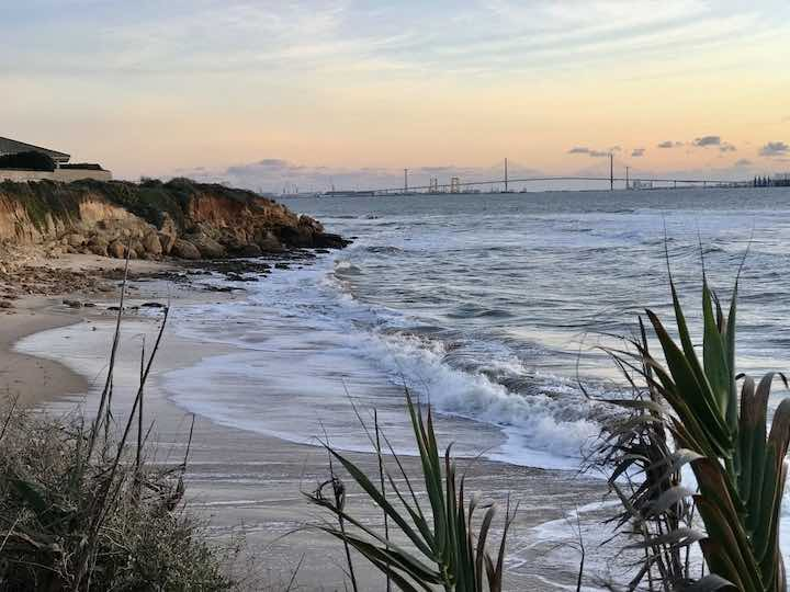 Strand mit Blick auf Cadiz
