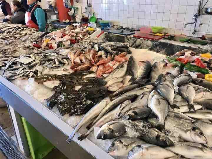 Frischer Fisch Markthalle