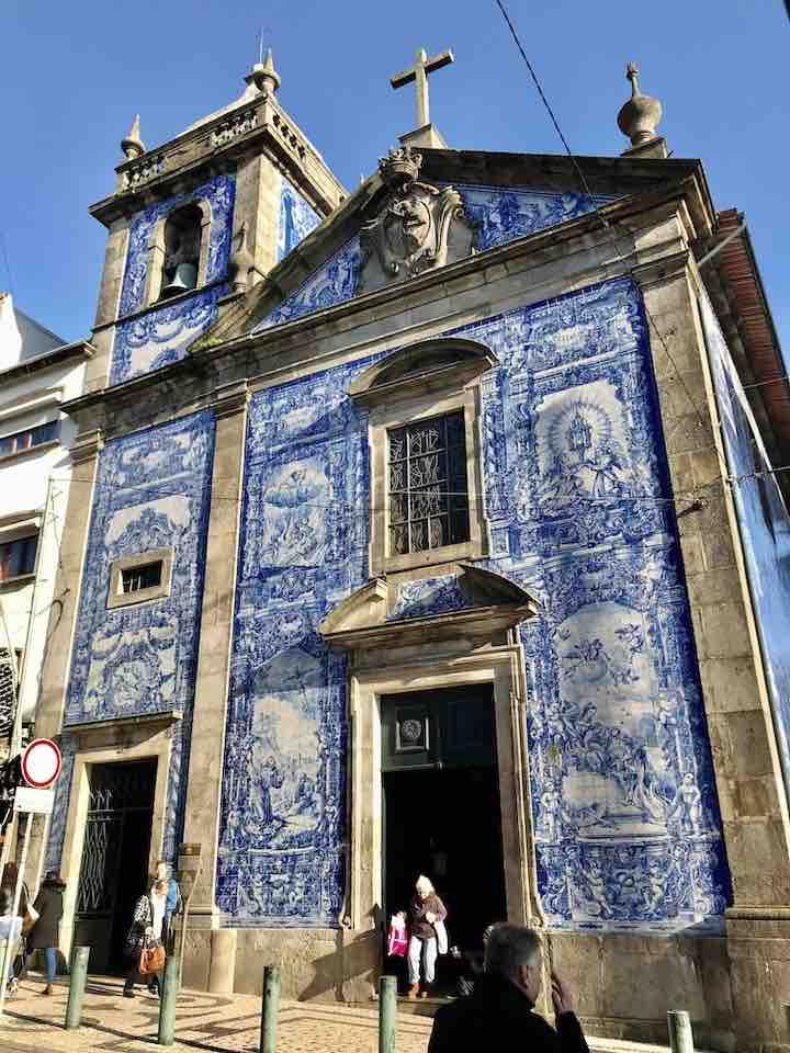 Gebäude mit Fliesen Porto