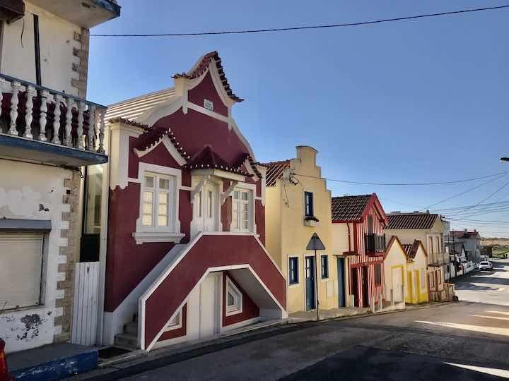 Gestreifte Häuser Portugal
