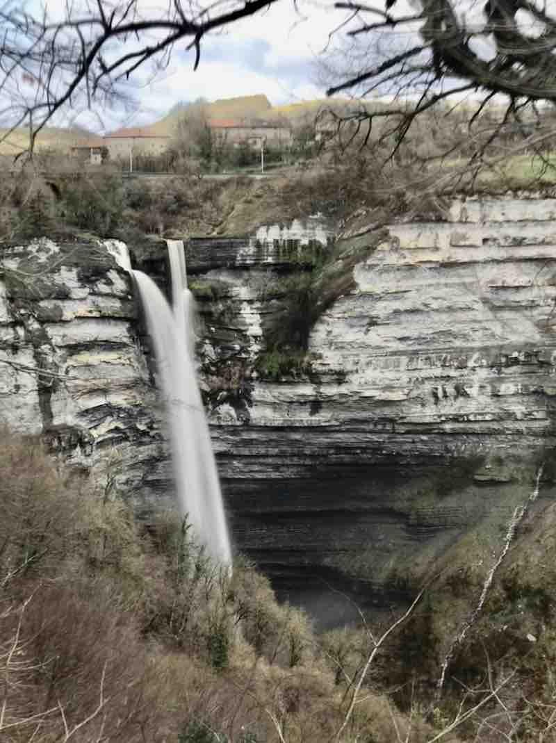 Gujuli Wasserfall