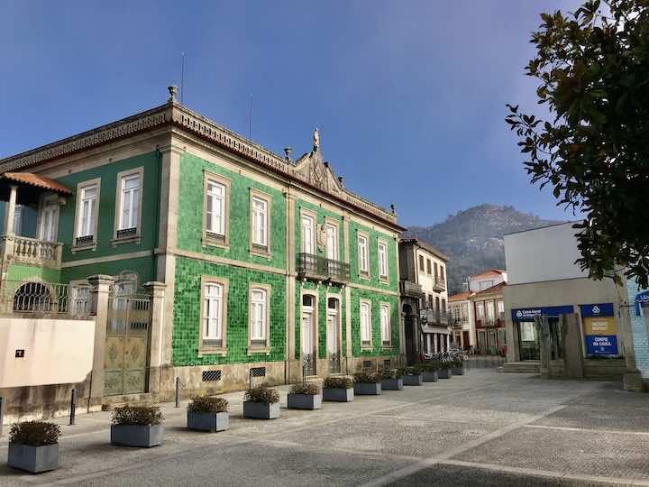 Haus mit grünen Fliesen Vila Nova de Cerveira