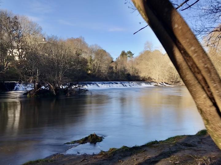 Wasserfall am Fluss