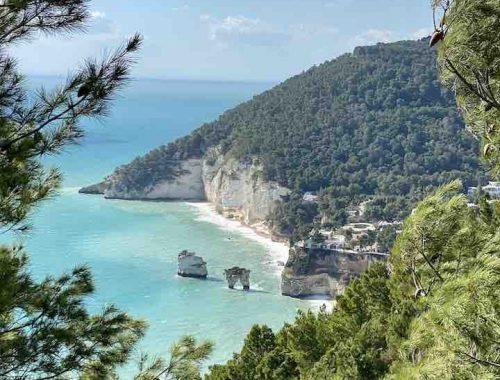 Felsen im Meer Italien