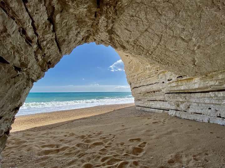 Höhle Adriaküste