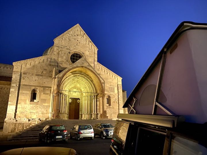 Stellplatz an Kathedrale Ancona Vanlife in Norditalien