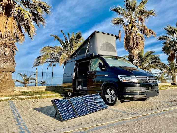 Bulli mit Solarpanel VW T6 autark