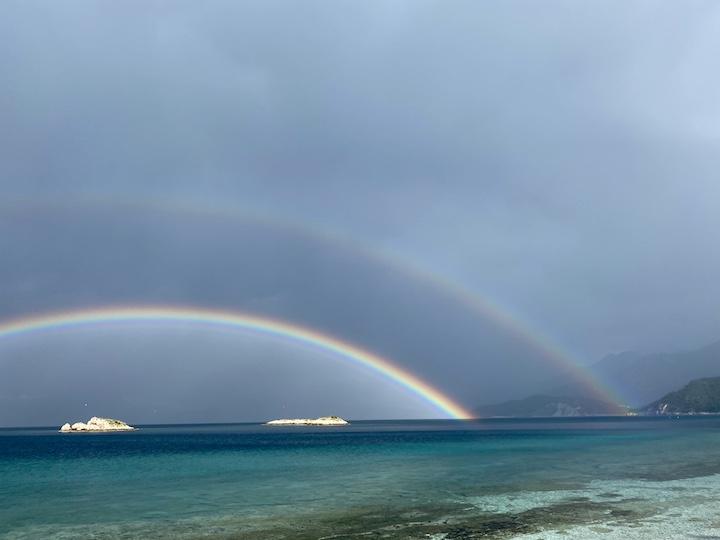 Zwei Regenbögen