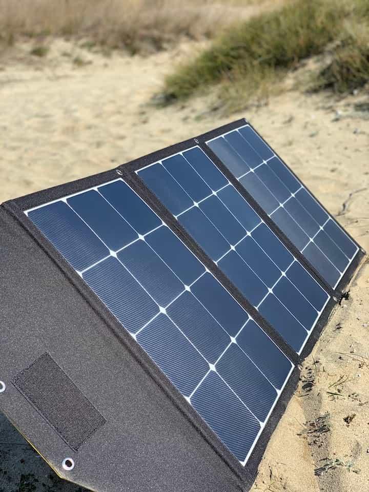 SolarPanel von Plug-in Festivals in der Sonne